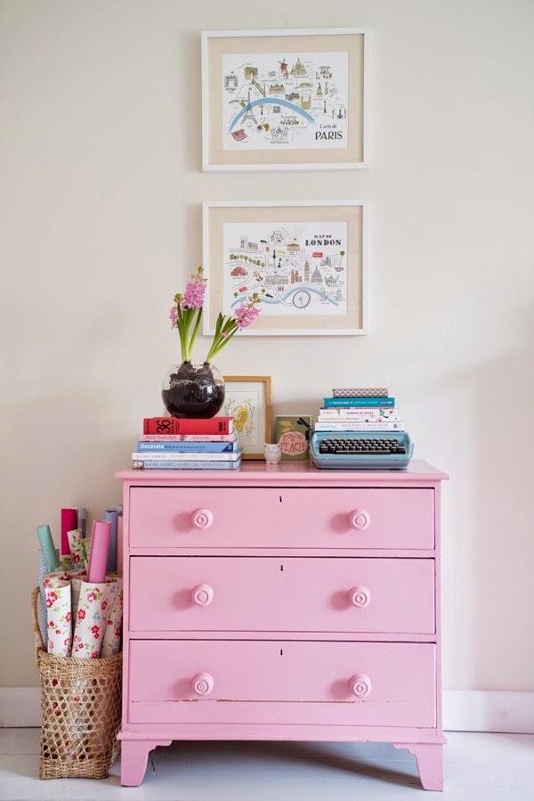 decoração-cômoda-cor-de-rosa 1