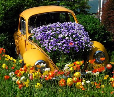 inspiration-garden-gardening-flowers-landscaping-volkswagen-beetle-garden-planter-flower-bed-pinterest2